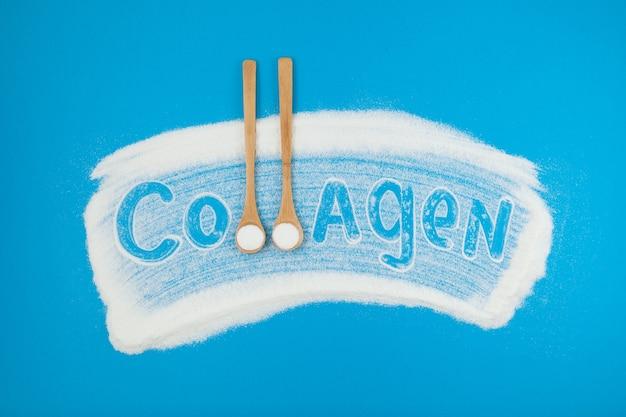 Proszek kolagenowy. kolagen napis na niebieskim tle.