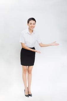 Protrait. młoda piękna biznesowa kobieta.