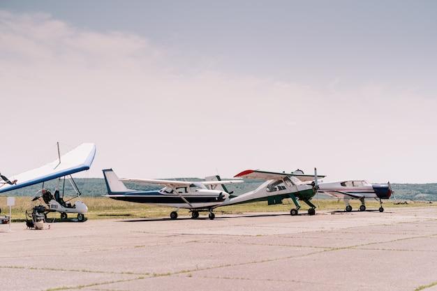 Prywatne samoloty w terenie