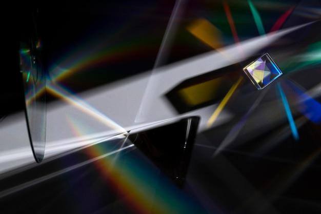 Pryzmat rozprasza koncepcję światła