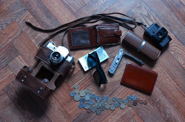 Przedmioty tła podróżnika w stylu vintage
