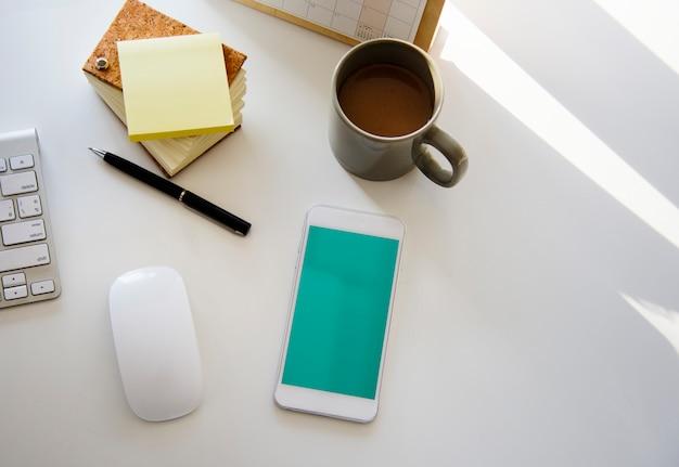 Przedmioty wyposażenie stacjonarna klawiatura na podkładce pod mysz