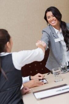 Przedsiębiorców, ściskając ręce