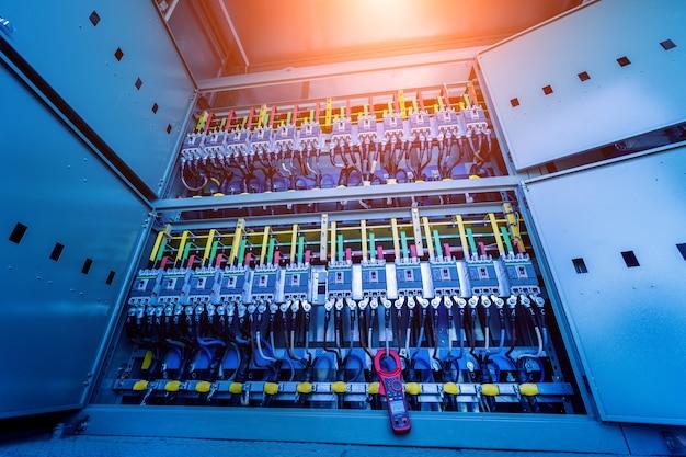 Przedział wyposażenia elektrycznego w kompletnej podstacji transformatorowej