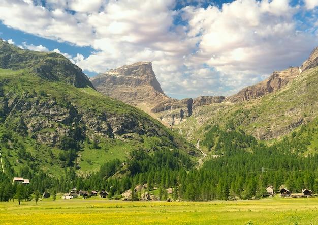 Przegląd alpejskiego krajobrazu
