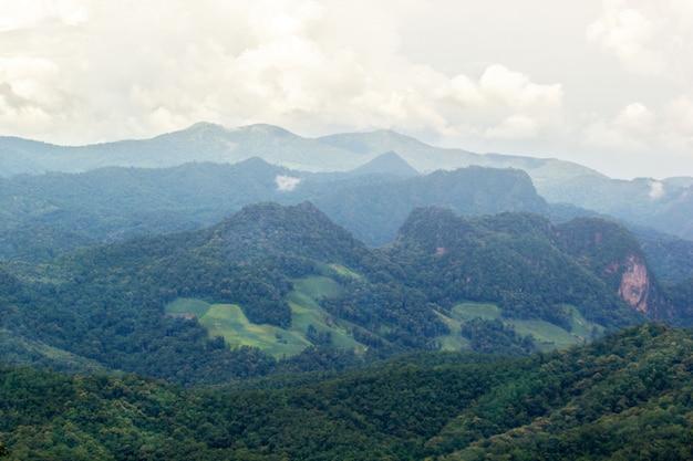Przegląda scenicznego góra krajobrazu widoku punkt, mae hong syn, tajlandia