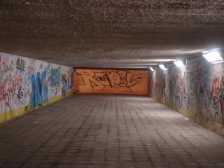 Przejście podziemne w nocy