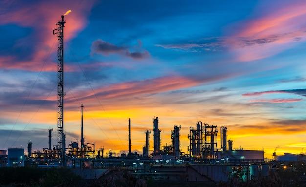 Przemysł naftowy i gazowy o zmierzchu