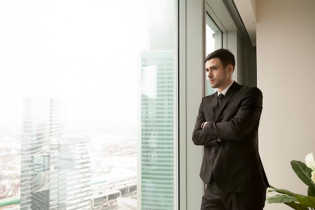 Przemyślany tysiącletni ceo marzący o sukcesie