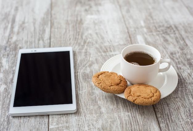 Przerwa na kawę. kawa z przekąskami