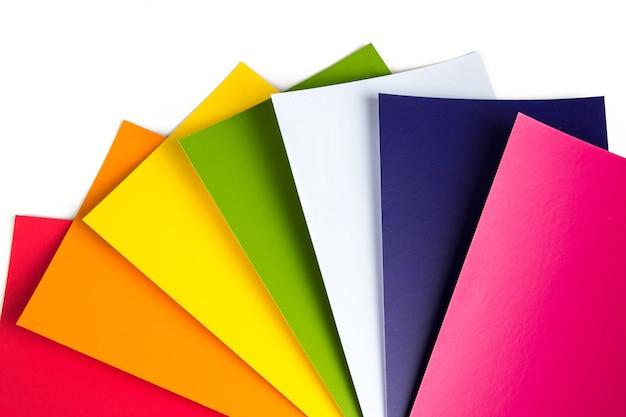 Przewodnik po kolorach. katalog przykładowych kolorów tęczy. rgb. cmyk. spektrum wykresu kolorów projektanta.