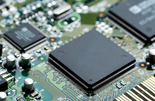 Przeznaczone do walki radioelektronicznej elektronicznej obwodami z mikroczipem procesora elementów elektronicznych tła