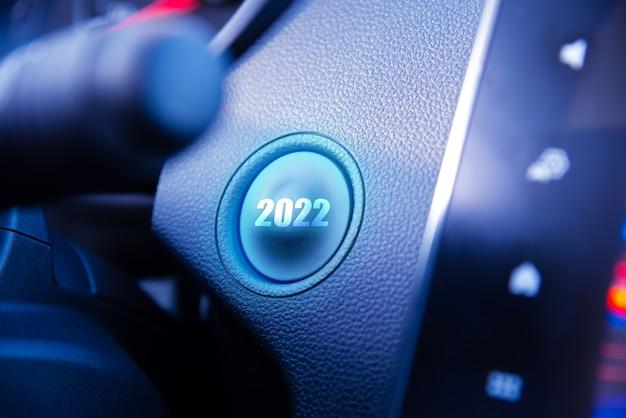 Przycisk startu 2022 na desce rozdzielczej, koncepcja nowego roku