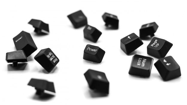 Przycisk zasilania klawiatury na białym tle
