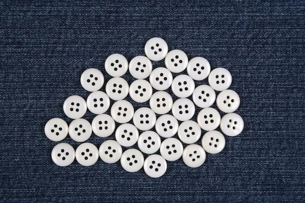 Przyciski z masy perłowej w kolorze niebieskim