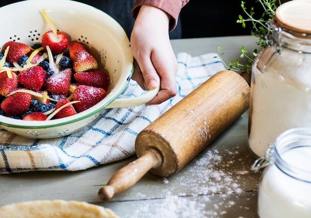 Przygotowanie do zrobienia pomysłu na przepis na ciasto z jedzeniem
