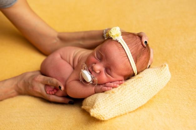 Przygotowanie fotografii koncepcyjnej noworodka