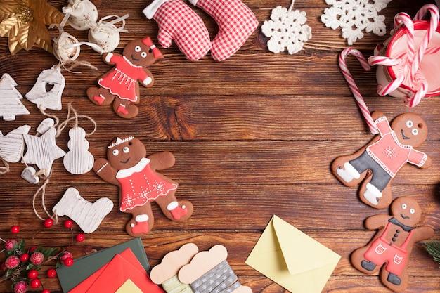 Przygotowanie pudełek na prezenty świąteczne, puste miejsce na tekst