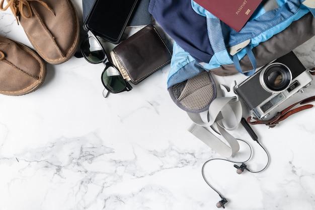 Przygotuj akcesoria do plecaka i przedmioty podróżne