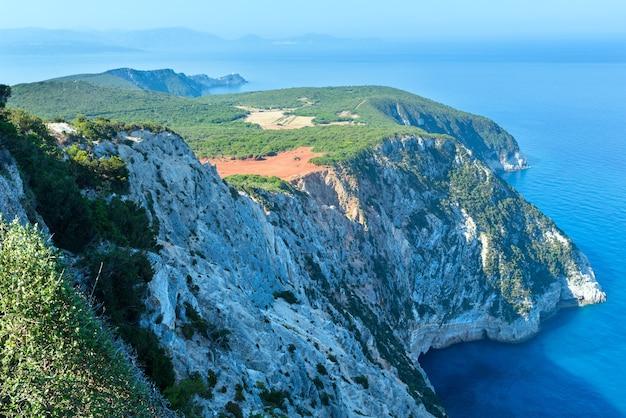 Przylądek południowy wyspy lefkas (grecja, morze jońskie)