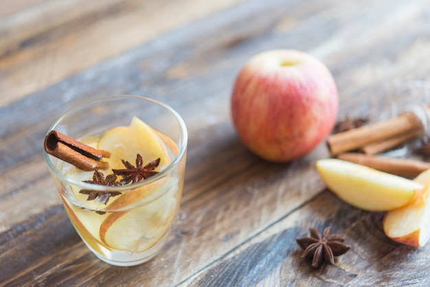 Przyprawiona herbata jabłkowa
