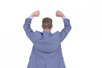 Przystojny biznesmen gestykuluje z rękami na białym tle