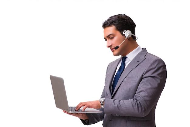 Przystojny mężczyzna z słuchawki odizolowywającą na bielu