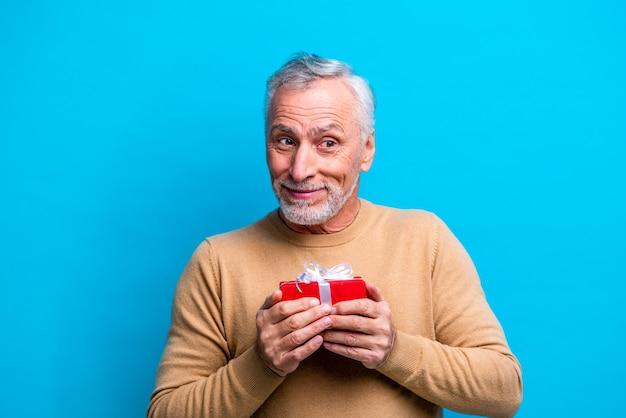 Przystojny starszy mężczyzna portret studio strzał.