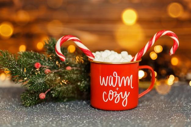 Przytulna kompozycja zimowa koncepcja świąt i nowego roku