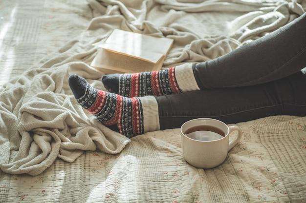 Przytulny zimowy jesienny dzień