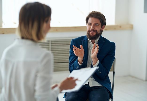 Psycholog kobieta na wszystkich konsultacjach diagnostycznych