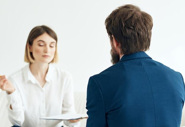Psychologia rozmowy kwalifikacyjnej mężczyzny i kobiety