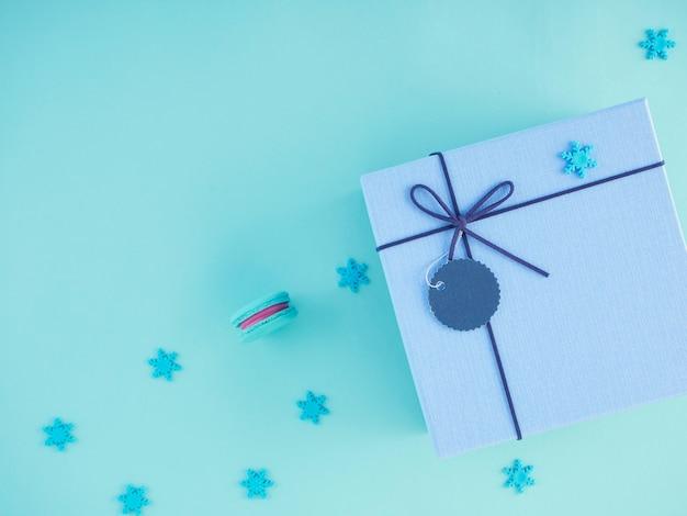 Pudełka na prezenty i ozdoby świąteczne