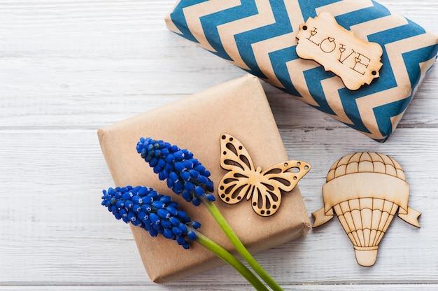 Pudełka na prezenty z tagiem love