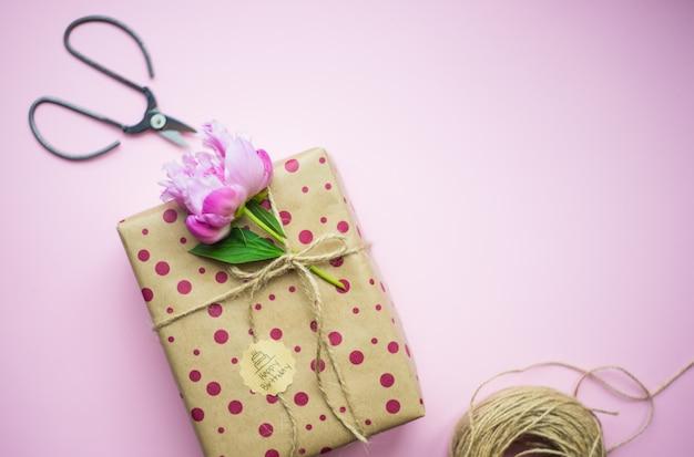 Pudełko na różowo