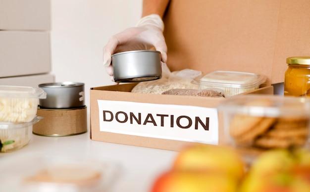 Pudełko na żywność przygotowywane do darowizny