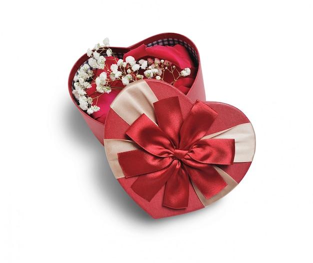 Pudełko prezentowe valentine z sercem i czerwonymi kokardkami