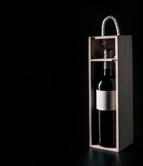 Pudełko z butelką wina