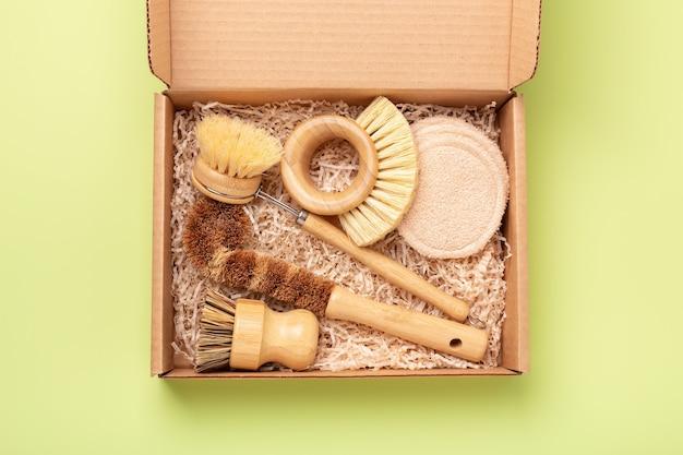 Pudełko z ekologicznymi narzędziami do czyszczenia