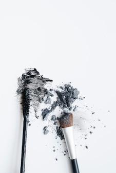 Pudry do makijażu