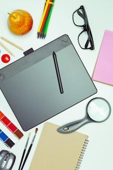 Pulpit artysty koncepcyjnego. tablet graficzny