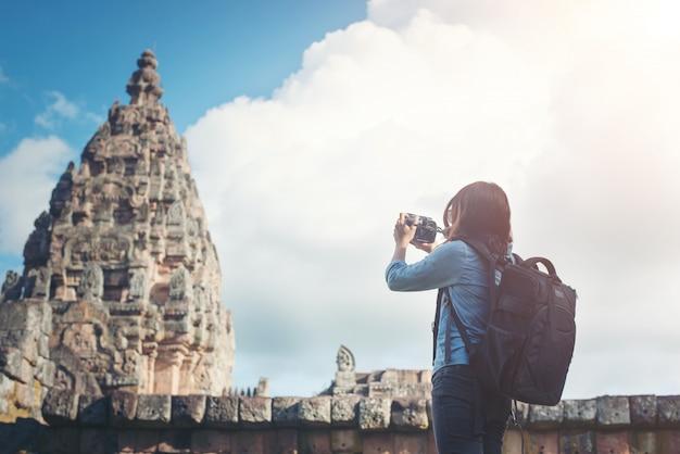 Punkt orientacyjny architektura widok kamery kobieta