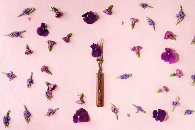 Purpurowe jadalne kwiaty