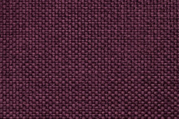 Purpurowe tło z plecionym wzorem w kratkę