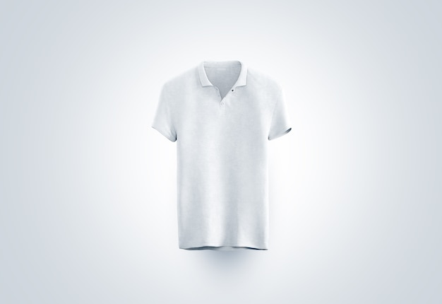 Pusta biała koszulka polo na białym tle, widok z przodu
