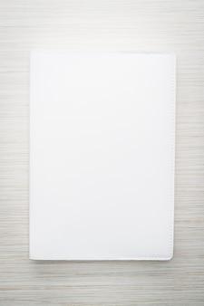 Pusta biała makieta książki
