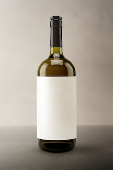 Pusta etykieta, opakowanie i branding na butelki wina