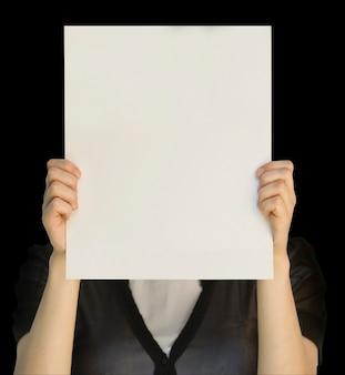 Pusta karta w dłoni na białym