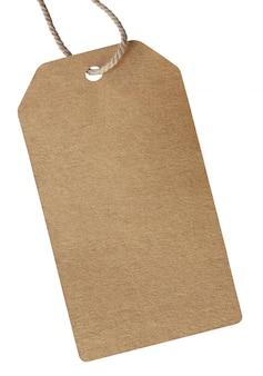 Pusta kartonowa etykieta cenowa wiązana liną dla pokazania ceny lub rabatu na produkt izolowany