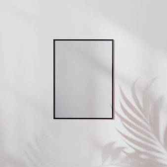 Pusta ramka plakatowa makieta na białej ścianie z cieniem liści palmowych, ilustracja 3d